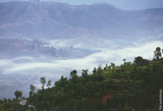 Туман утром в долине у Дуликеля.