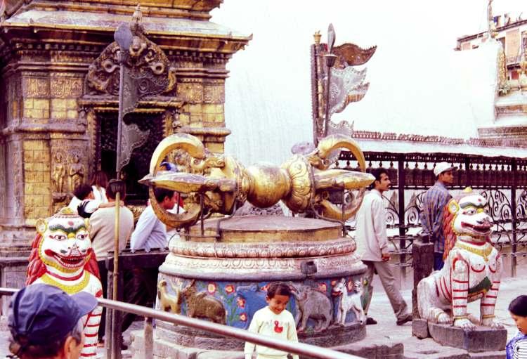 Это - Ваджра (Vajra) или Дордже (Dorje) по-тибетски